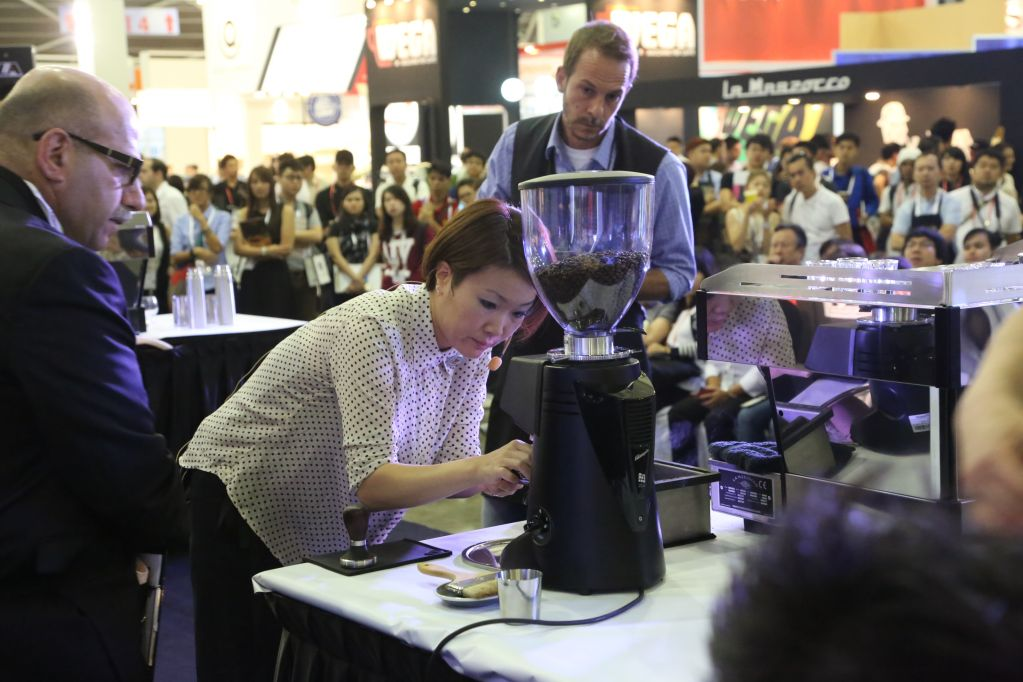 foodasia-stands-productdemonstration